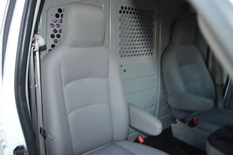 2014 Ford E-Series Cargo E-250 3dr Extended Cargo Van - Dallas TX