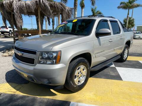 2008 Chevrolet Avalanche for sale at D&S Auto Sales, Inc in Melbourne FL