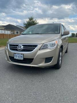 2009 Volkswagen Routan for sale at REGIONAL AUTO CENTER in Fredericksburg VA