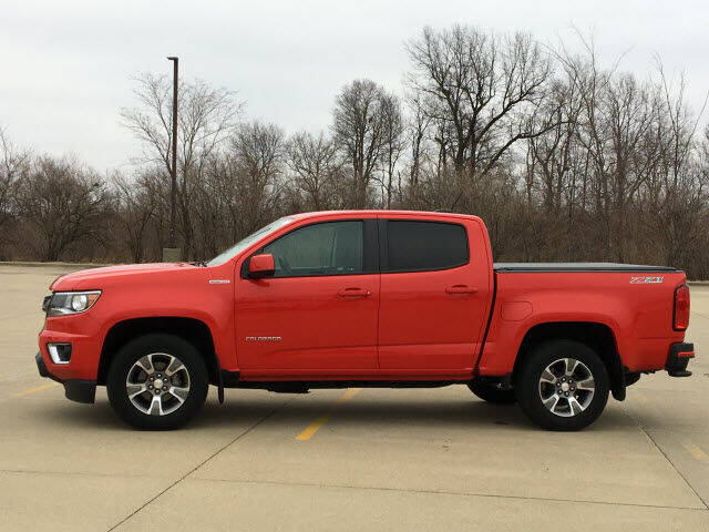 2016 Chevrolet Colorado for sale at LANDMARK OF TAYLORVILLE in Taylorville IL