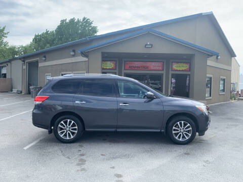 2013 Nissan Pathfinder for sale at Advantage Auto Sales in Garden City ID