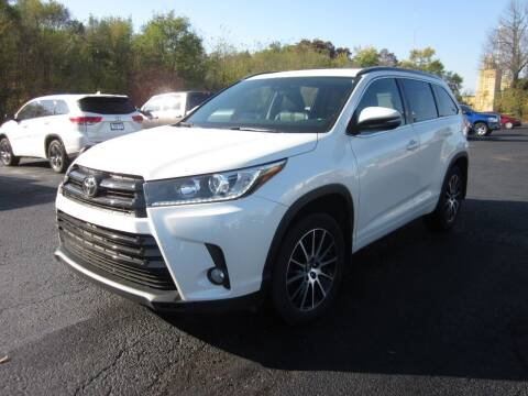 2018 Toyota Highlander for sale at JANSEN'S AUTO SALES MIDWEST TOPPERS & ACCESSORIES in Effingham IL