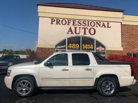 2010 Chevrolet Avalanche for sale at Professional Auto Sales & Service in Fort Wayne IN