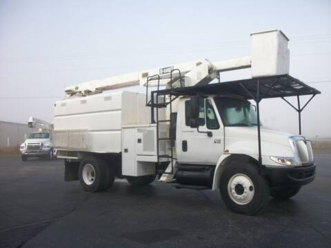 2004 International 4300 Chipper Truck for sale at Classics Truck and Equipment Sales in Cadiz KY