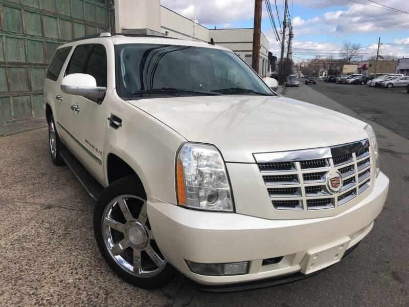 2008 Cadillac Escalade ESV for sale at Illinois Auto Sales in Paterson NJ