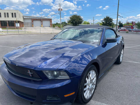 2012 Ford Mustang for sale at Diana Rico LLC in Dalton GA