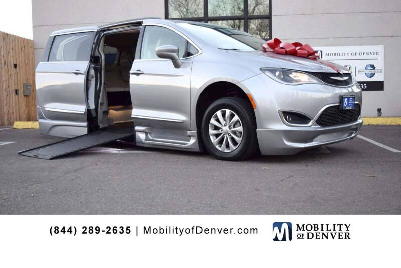 2017 Chrysler Pacifica for sale at CO Fleet & Mobility in Denver CO