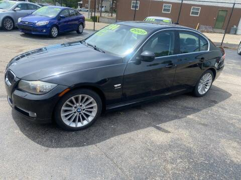 2009 BMW 3 Series for sale at Double Take Auto Sales LLC in Dayton OH