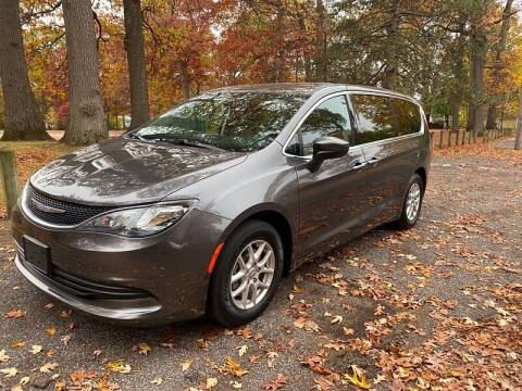 2017 Chrysler Pacifica for sale at CItywide Auto Credit in Oregon OH