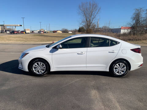2020 Hyundai Elantra for sale at V Automotive in Harrison AR