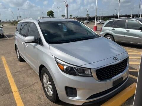 2017 Kia Sedona for sale at FREDY USED CAR SALES in Houston TX
