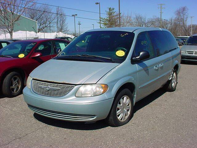 2002 Chrysler Town and Country for sale at VOA Auto Sales in Pontiac MI
