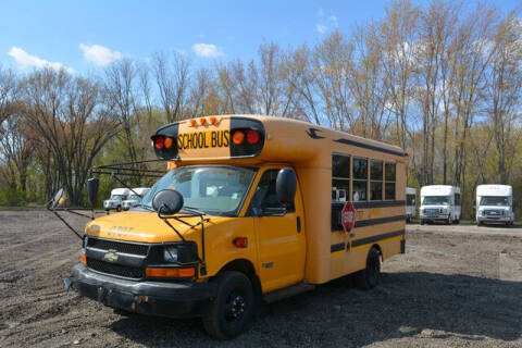 2006 Chevrolet Express Cutaway for sale at Signature Truck Center in Crystal Lake IL