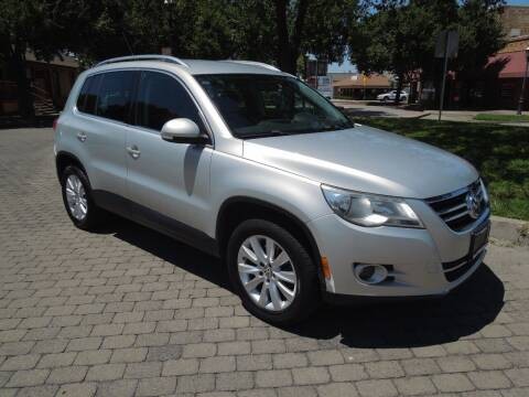 2009 Volkswagen Tiguan for sale at Family Truck and Auto.com in Oakdale CA
