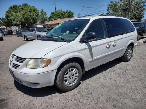 2005 Dodge Grand Caravan for sale at Larry's Auto Sales Inc. in Fresno CA
