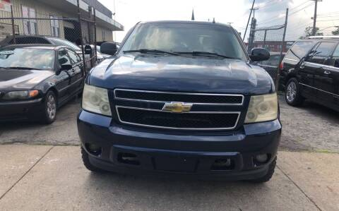 2007 Chevrolet Avalanche for sale at Six Brothers Auto Sales in Youngstown OH