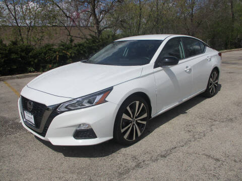 2019 Nissan Altima for sale at Triangle Auto Sales in Elgin IL
