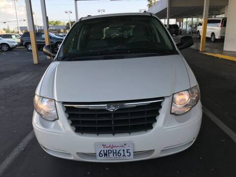 2007 Chrysler Town and Country for sale at Auto Outlet Sac LLC in Sacramento CA