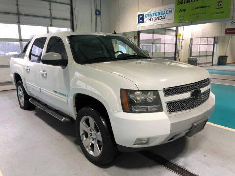 2009 Chevrolet Avalanche for sale at Auto Pros in Youngstown OH
