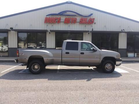 2003 Chevrolet Silverado 3500 for sale at DOUG'S AUTO SALES INC in Pleasant View TN