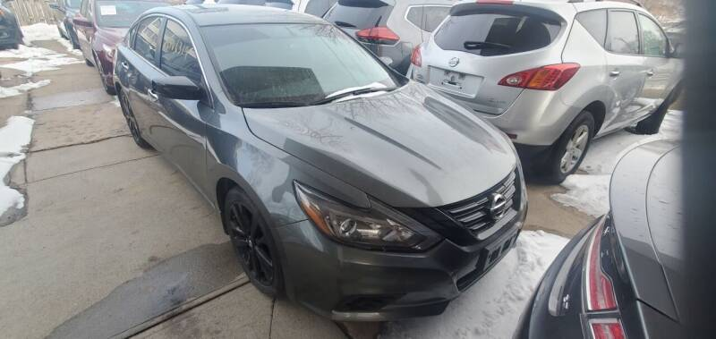 2018 Nissan Altima for sale at Divine Auto Sales LLC in Omaha NE