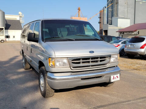 1998 Ford E-350 for sale at J & S Auto Sales in Thompson ND