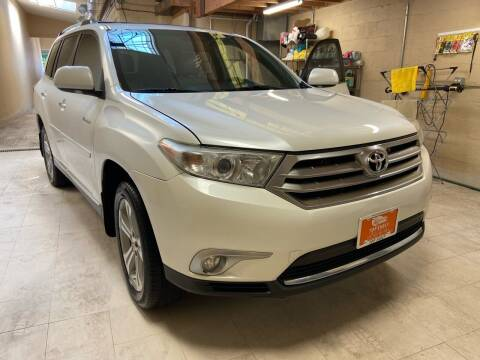 2012 Toyota Highlander for sale at TOP SHELF AUTOMOTIVE in Newark NJ