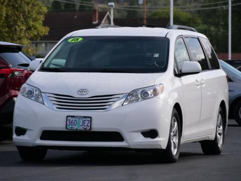 2015 Toyota Sienna for sale at CLINT NEWELL USED CARS in Roseburg OR