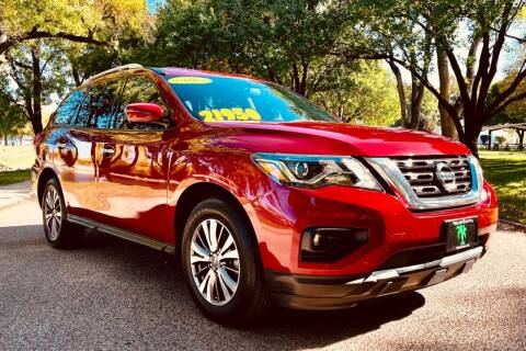 2017 Nissan Pathfinder for sale at Island Auto in Grand Island NE