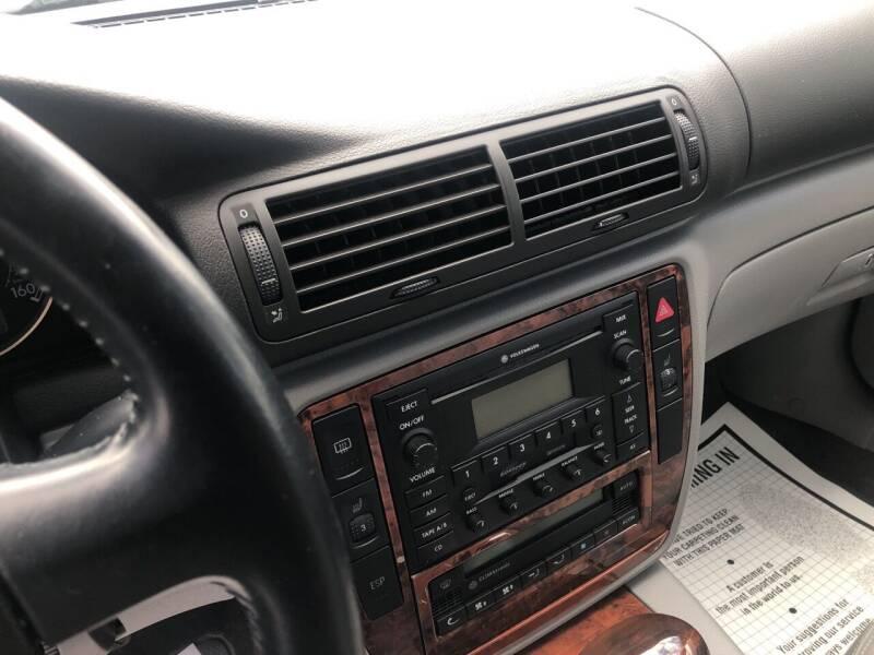 2004 Volkswagen Passat AWD GLX 4Motion 4dr Sedan V6 - East Freedom PA
