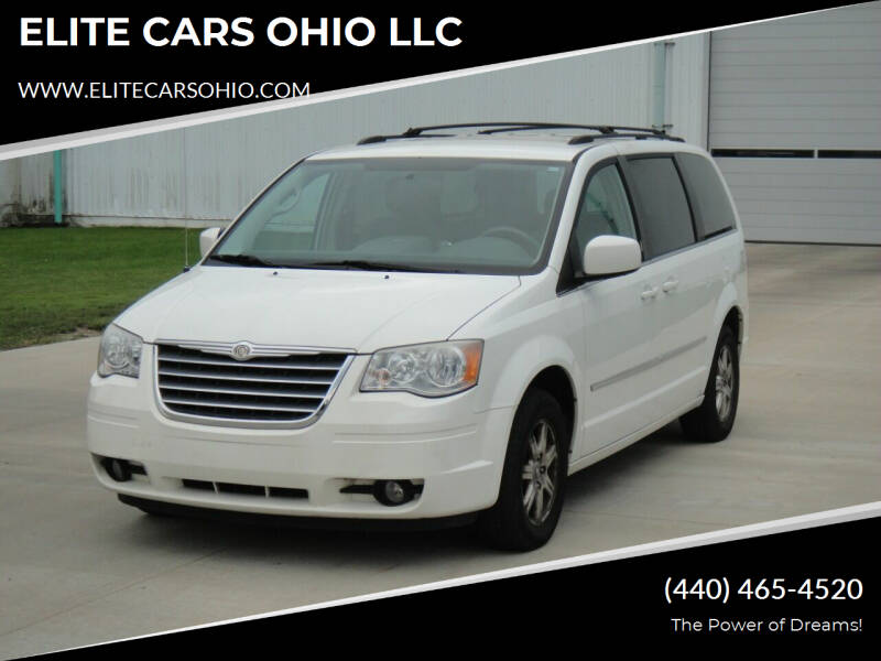 2010 Chrysler Town and Country for sale in Solon, OH