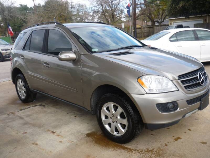 2007 Mercedes-Benz M-Class for sale at Auto Outlet Inc. in Houston TX