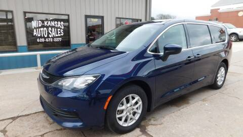 2017 Chrysler Pacifica for sale at Mid Kansas Auto Sales in Pratt KS
