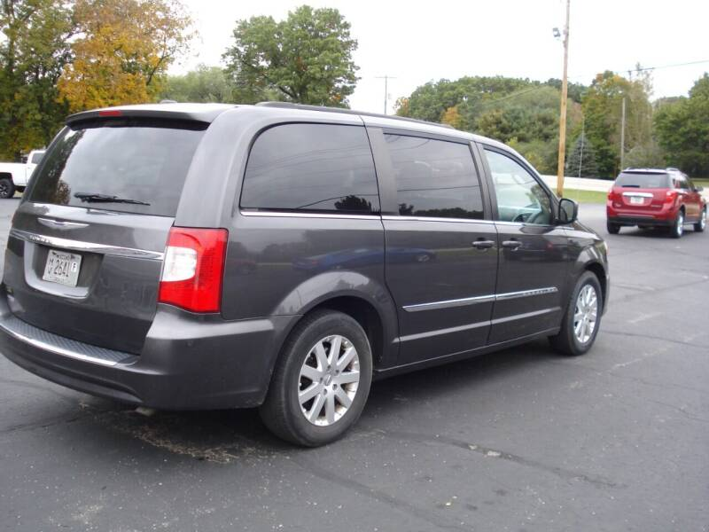 2015 Chrysler Town and Country for sale at Fox River Auto Sales in Princeton WI