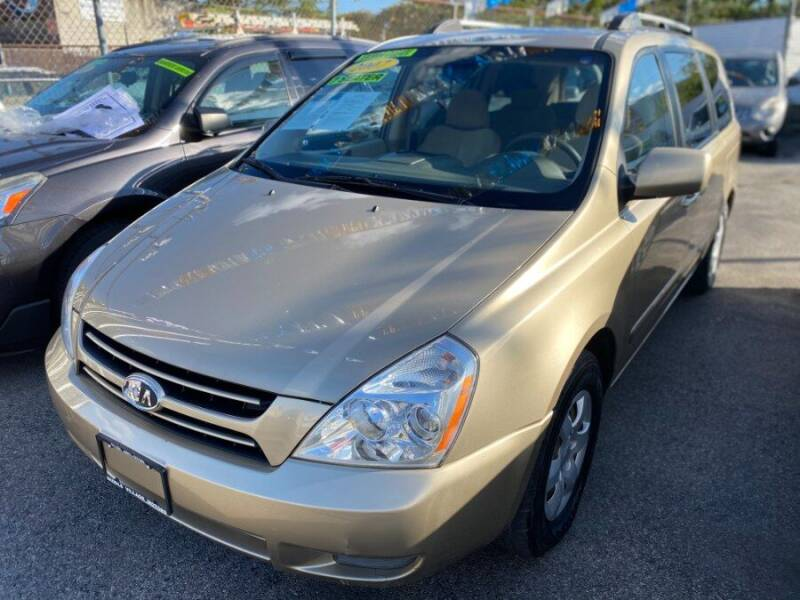 2007 Kia Sedona for sale at Middle Village Motors in Middle Village NY