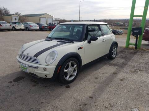 2004 MINI Cooper for sale at Independent Auto in Belle Fourche SD
