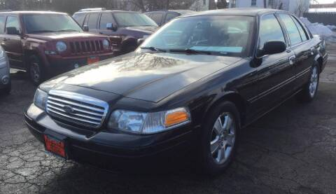 2008 Ford Crown Victoria for sale at Knowlton Motors, Inc. in Freeport IL