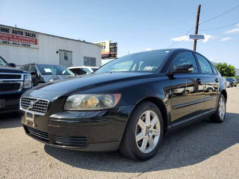 2006 Volvo S40 for sale at MENNE AUTO SALES LLC in Hasbrouck Heights NJ
