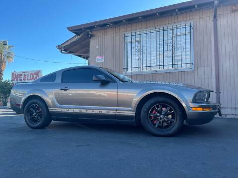 2005 Ford Mustang for sale at Ronnie Motors LLC in San Jose CA