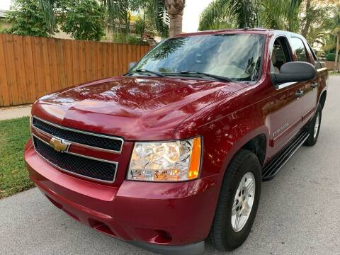 2007 Chevrolet Avalanche for sale at FINANCIAL CLAIMS & SERVICING INC in Hollywood FL