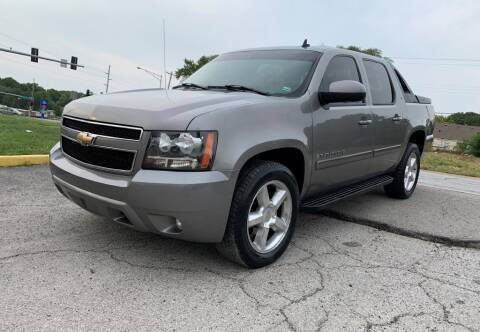 2008 Chevrolet Avalanche for sale at InstaCar LLC in Independence MO