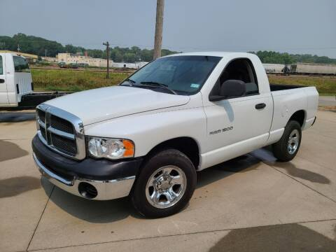2004 Dodge Ram Pickup 1500 for sale at J & J Auto Sales in Sioux City IA