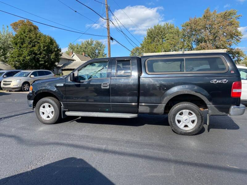 2004 Ford F-150 for sale at E & A Auto Sales in Warren OH