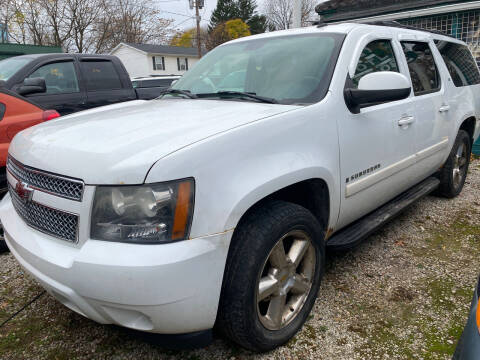 2007 Chevrolet Suburban for sale at GREENLIGHT AUTO SALES in Akron OH