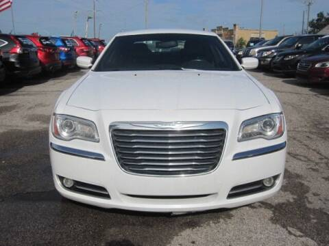 2014 Chrysler 300 for sale at T & D Motor Company in Bethany OK