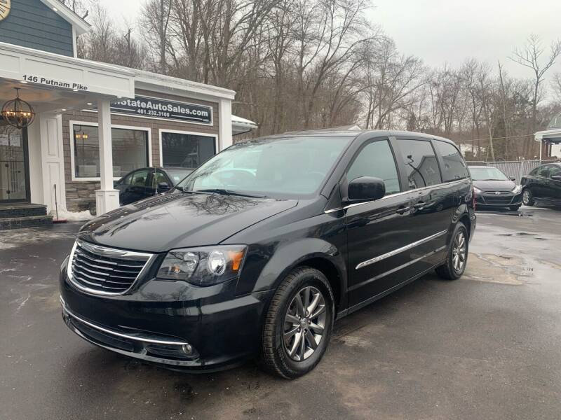 2015 Chrysler Town and Country for sale at Ocean State Auto Sales in Johnston RI