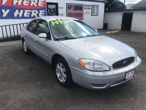 2007 Ford Taurus for sale at J and H Auto Sales in Union Gap WA