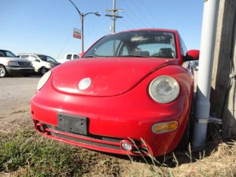 2005 Volkswagen New Beetle for sale at CARZ R US 1 in Heyworth IL