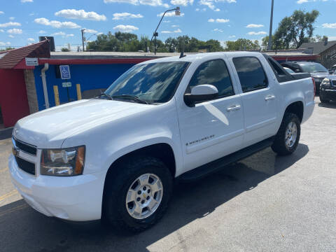 2007 Chevrolet Avalanche for sale at Car Mas Broadway in Crest Hill IL