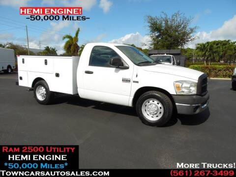 2008 Dodge Ram Chassis 2500 for sale at Town Cars Auto Sales in West Palm Beach FL